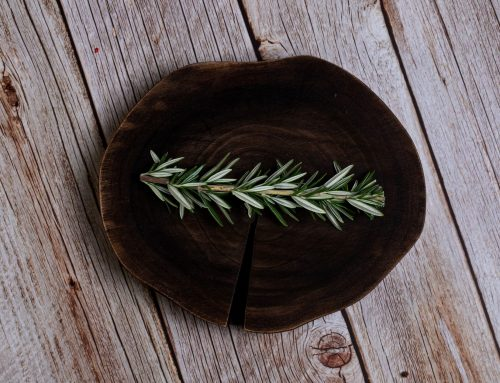 The benefits of rosemary water for the skin and health